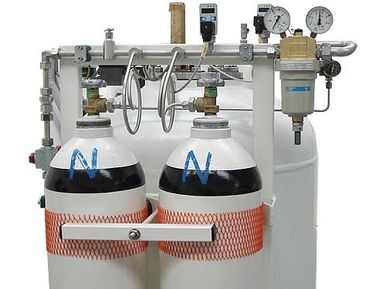 Compressed air cylinders and water tank of the HAUX-SPRAY-FOG-SYSTEM
