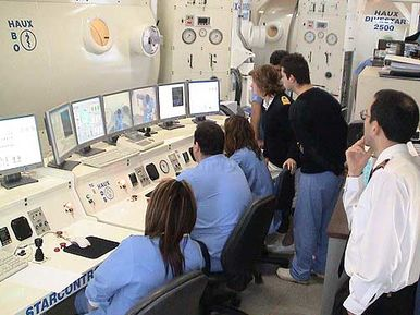 Staff training at the control station of the HAUX-DIVESTAR